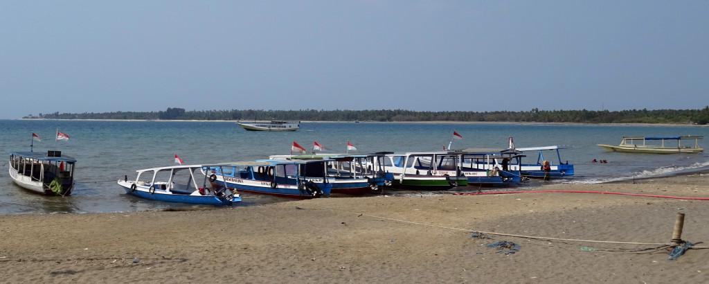 Slow Boat Bangsal Harbor