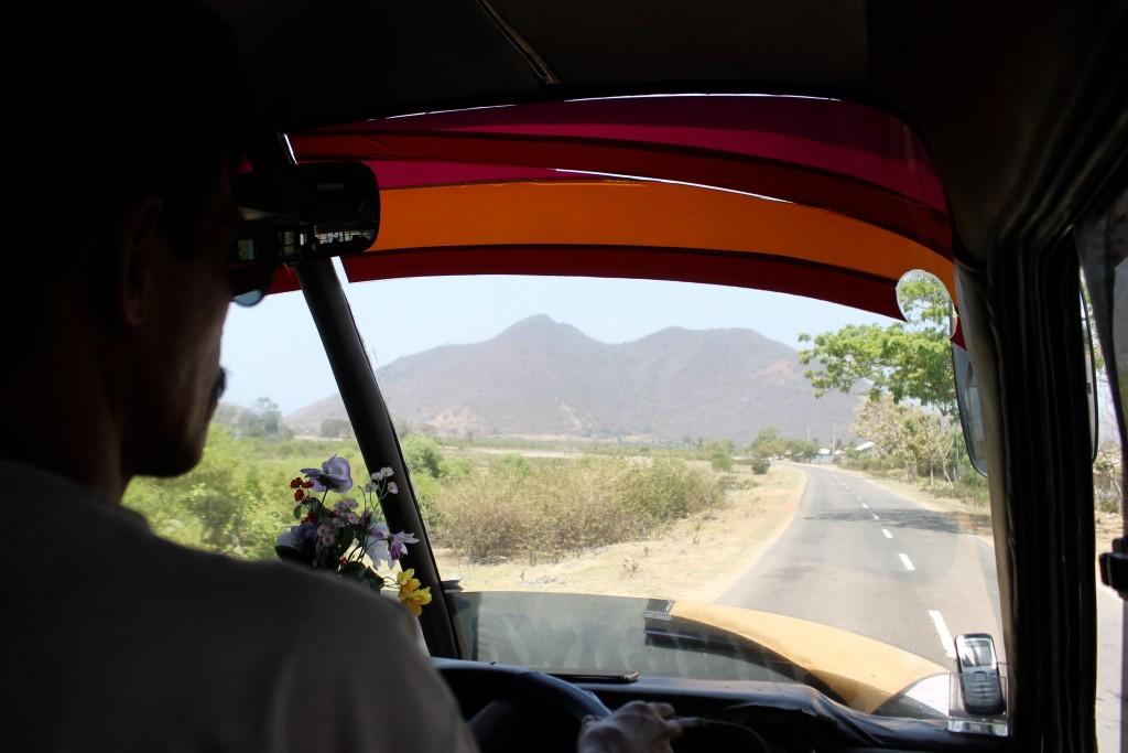 Sumbawa Bus