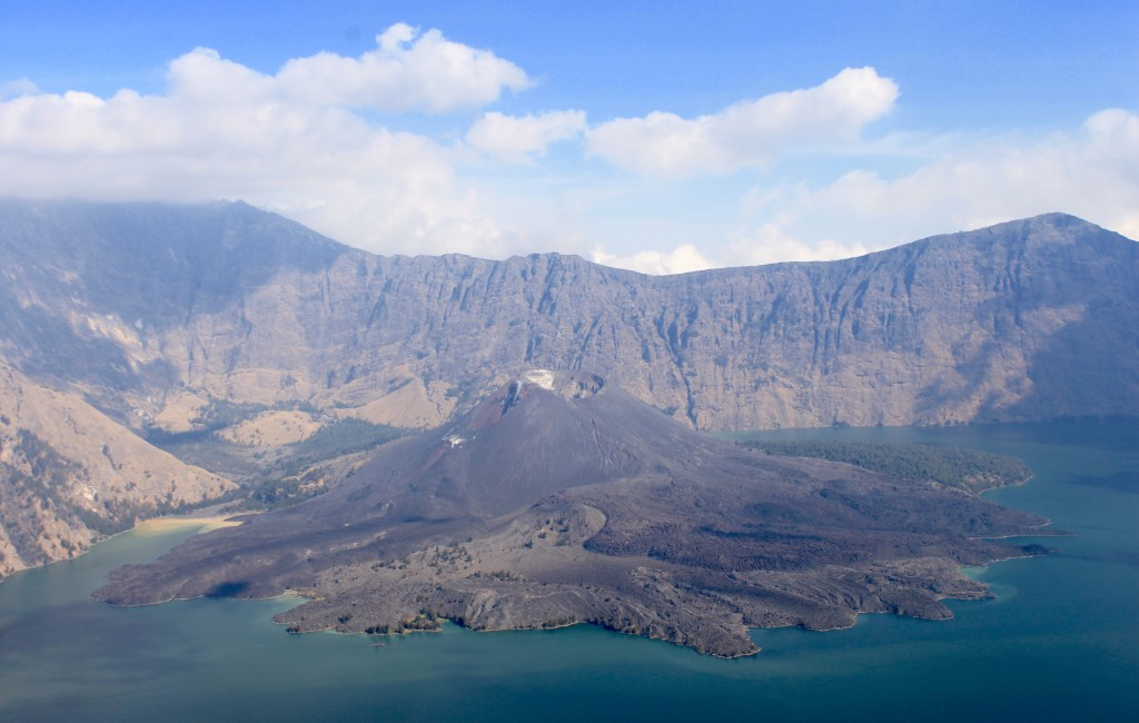 Indonesia trek Rinjani