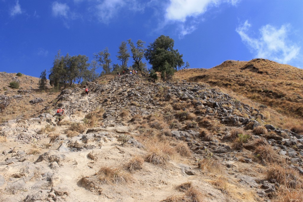 Mount Rinjani Hiking for Free Without Tour Rock Climb