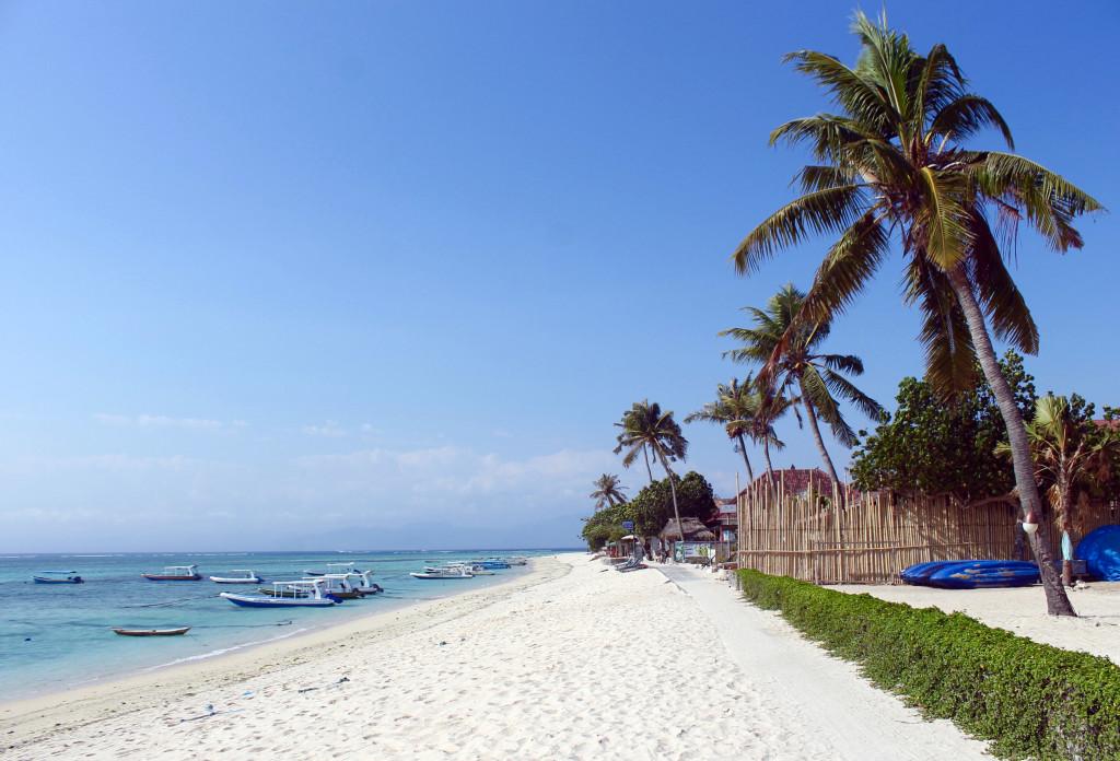 Bali or Lombok? Nusa Lembongan Beach