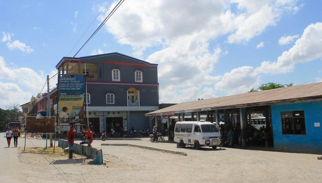 Kefamenanu to Tamkessi bus terminal