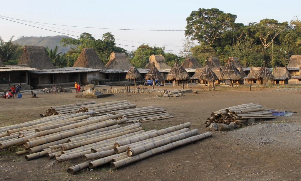 U-shaped design Wogo Village