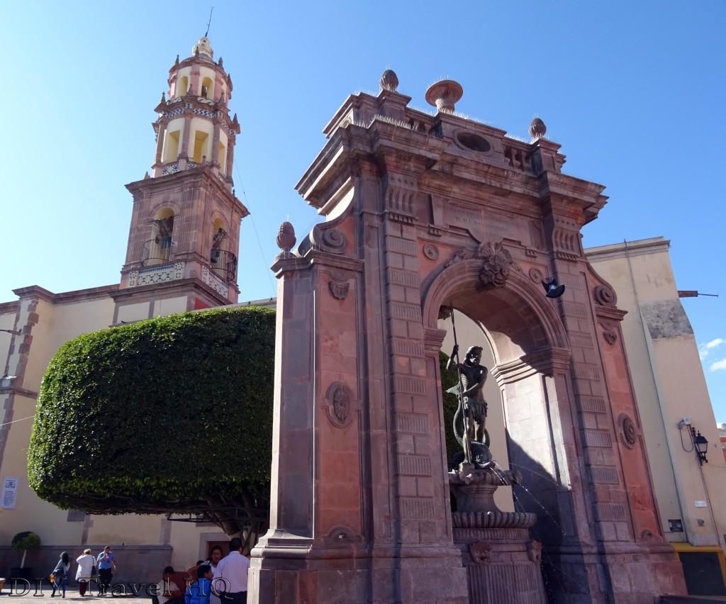 Templo de Santa Clara and Neptune's Fountain