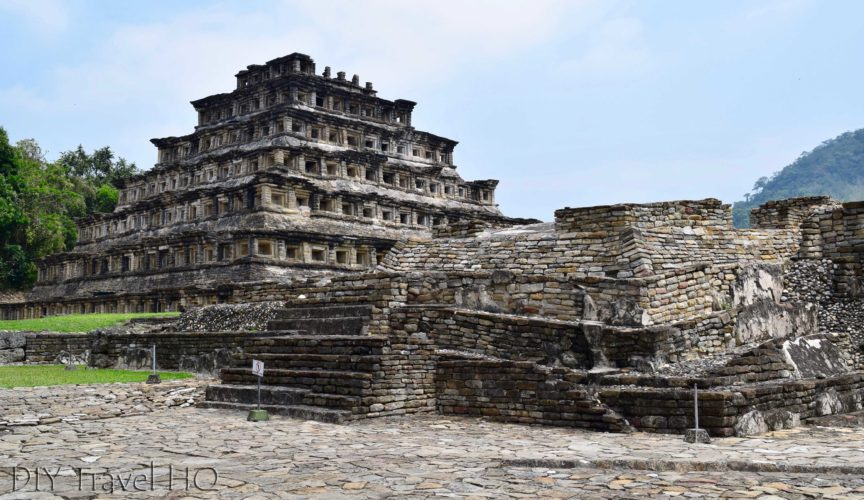 Piramide de los Nichos and Crumbling Ruins