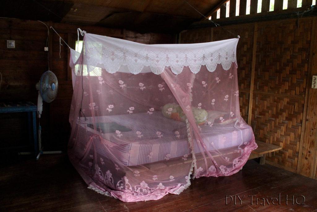 Simple room at Mamamia's Iboih