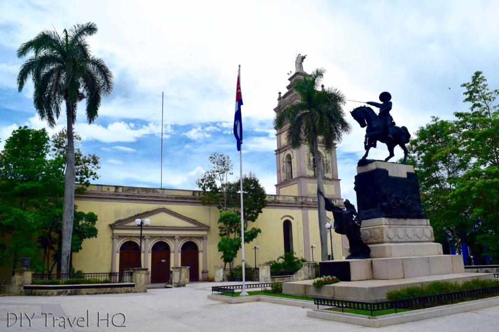 The equestrian of war here Ignacio Agramonte & Catedral de Nuestra Senora de la Candelaria
