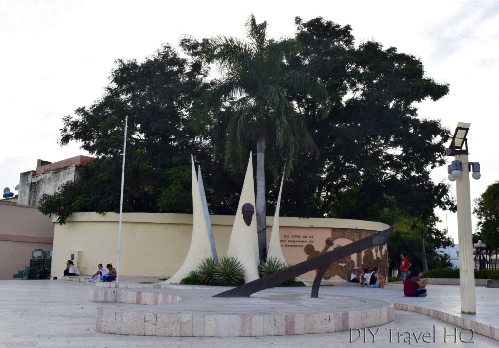 Plaza Marti Las Tunas