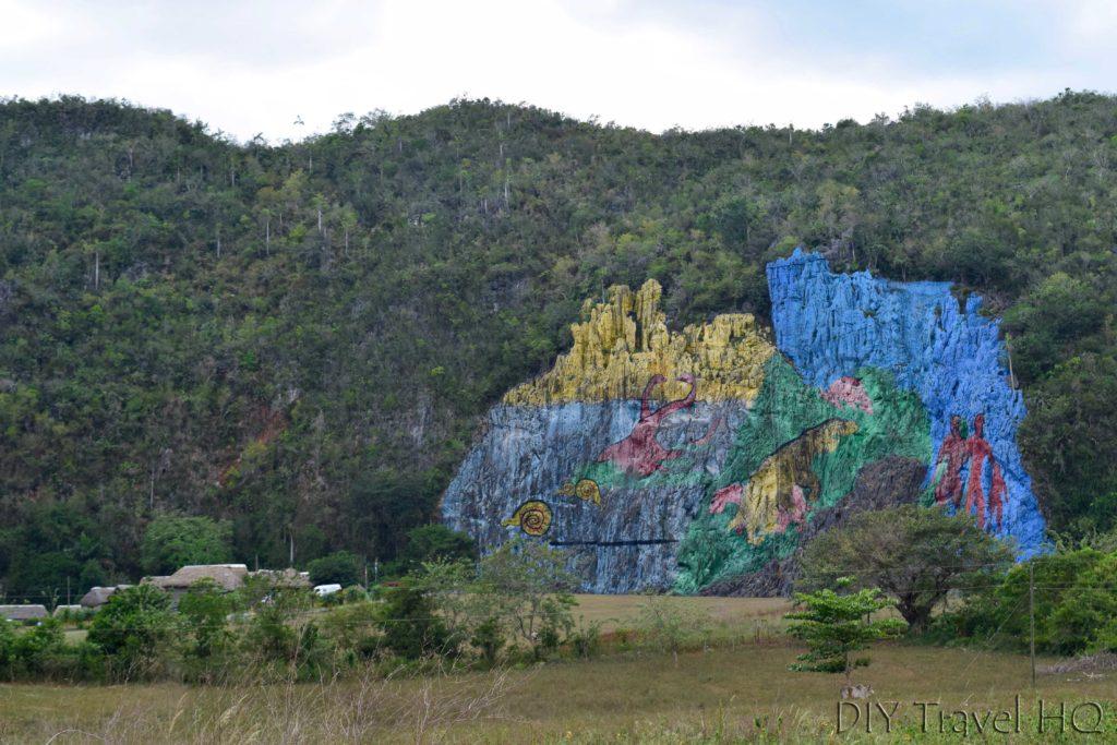 Hike parque nacional vinales for free without a tour for Mural de la prehistoria
