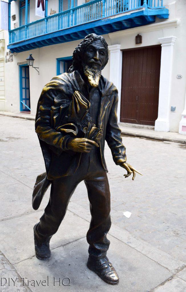 Old Havana Plaza San Francisco de Asis El Caballero de Paris