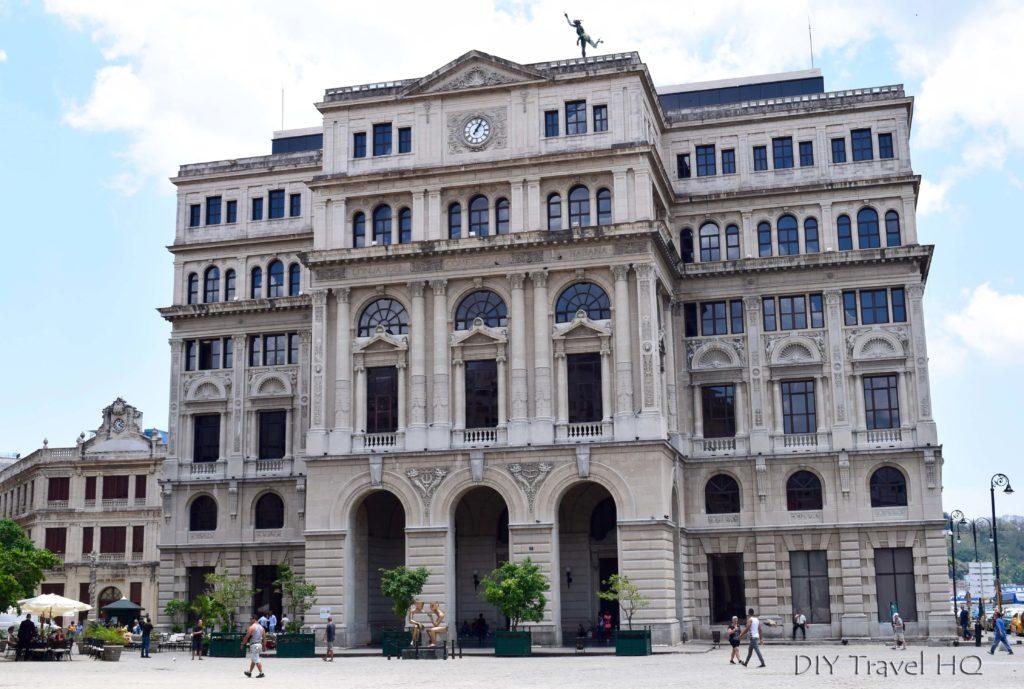 Old Havana Plaza San Francisco de Asis Lonja del Comercio