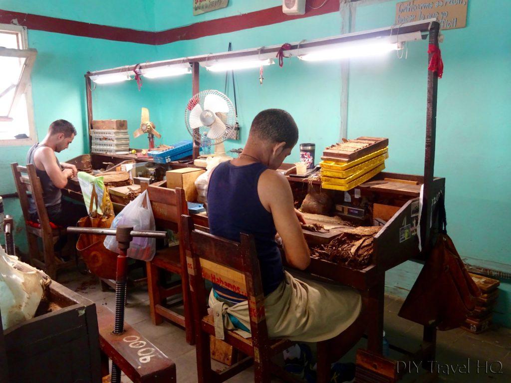 Cigar rolling at Pinar del Rio factory