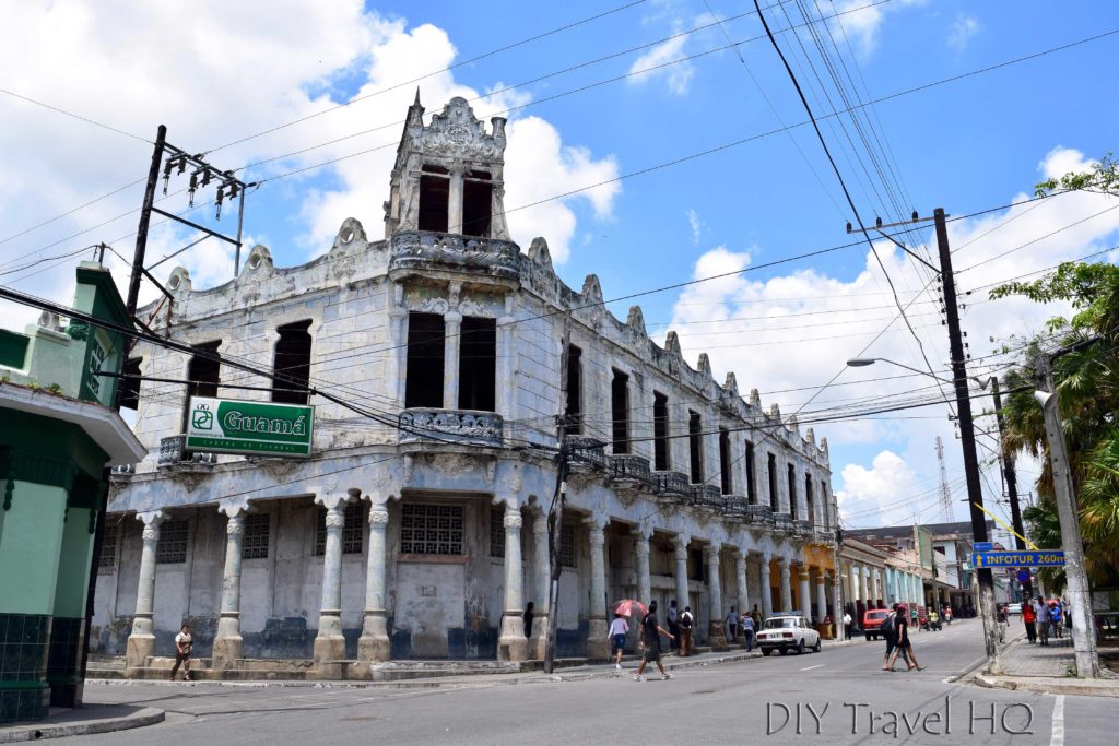 Dilapidated architecture & buildings Pinar del Rio