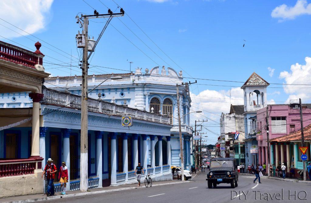 Pinar del Rio Cigar Whiskey Town