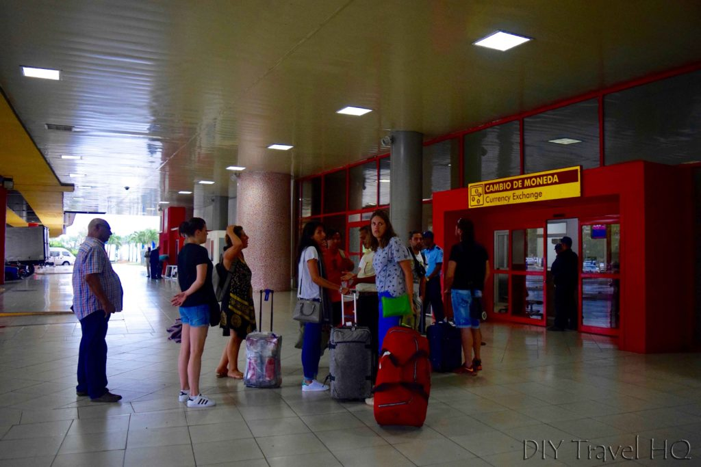Cuba's Dual Currency Airport CADECA