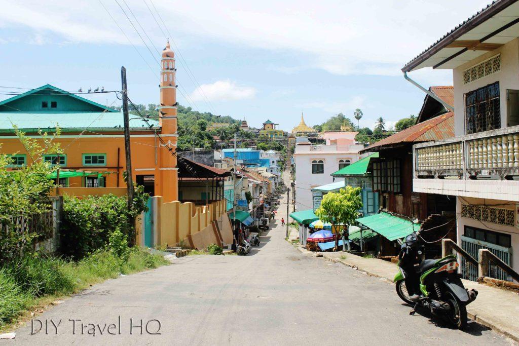 Tout free street in Kawthaung