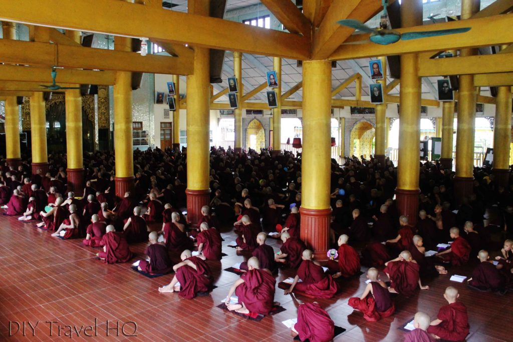 Kha Khat Wain Kyaung study session