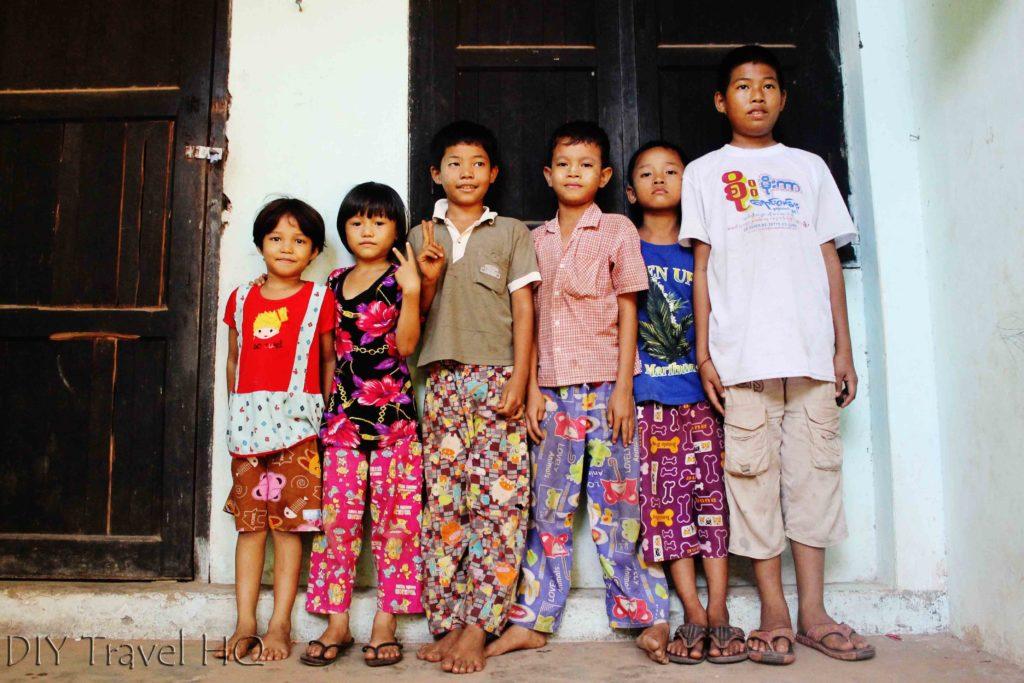 Mawlamyine Children