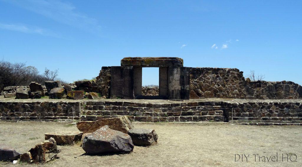 Monte Alban Ruins Hacia la Tumba 105