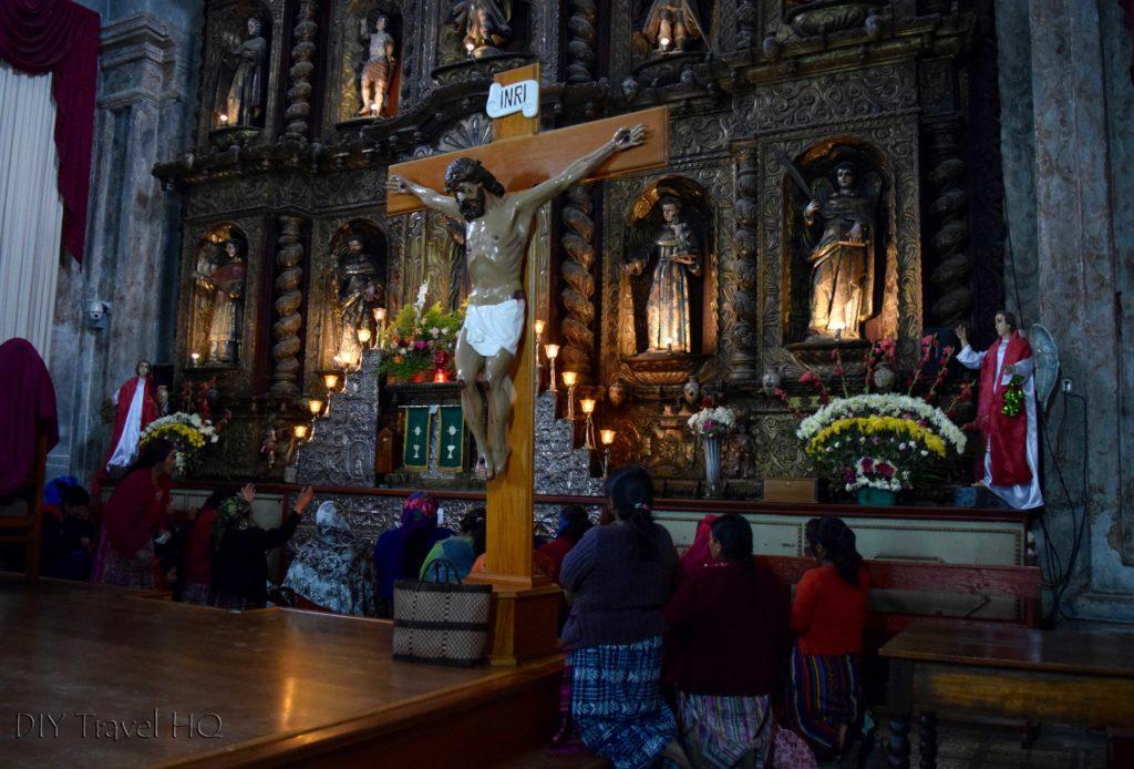 San Francisco El Alto Church Praying