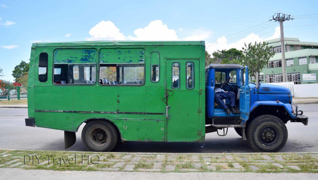 Camionetta mini-truck in Cuba