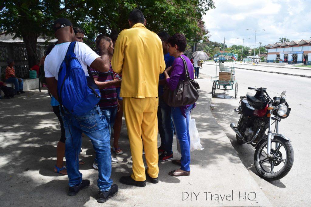 Amarillos Hitchhiking Cuba