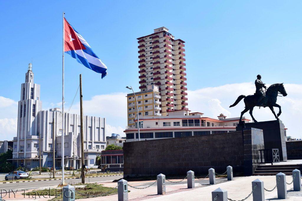 Havana Vedado Avenue de los Presidentes Monumento a Calixto Garcia