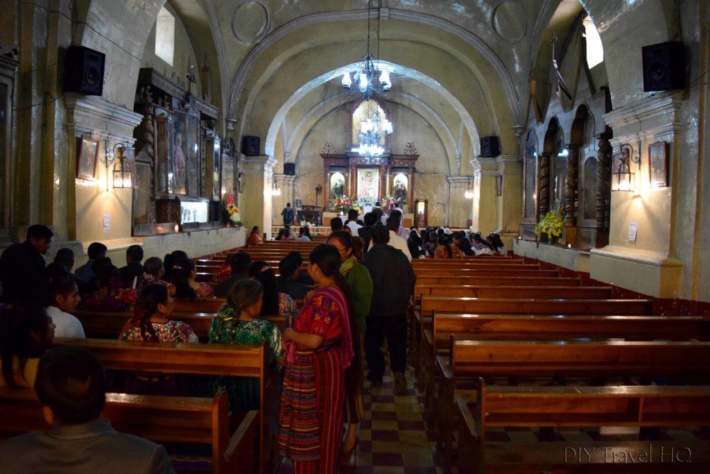San Andres Xecul Iglesia del Calvario Interior