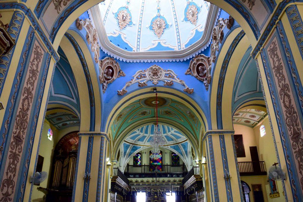 Inside Santiago's famous Catedral