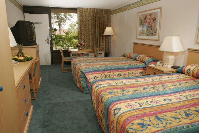 Double room at Maingate Lakeside Resort