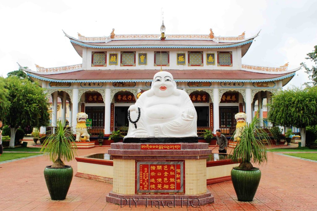 Modern Chinese temple