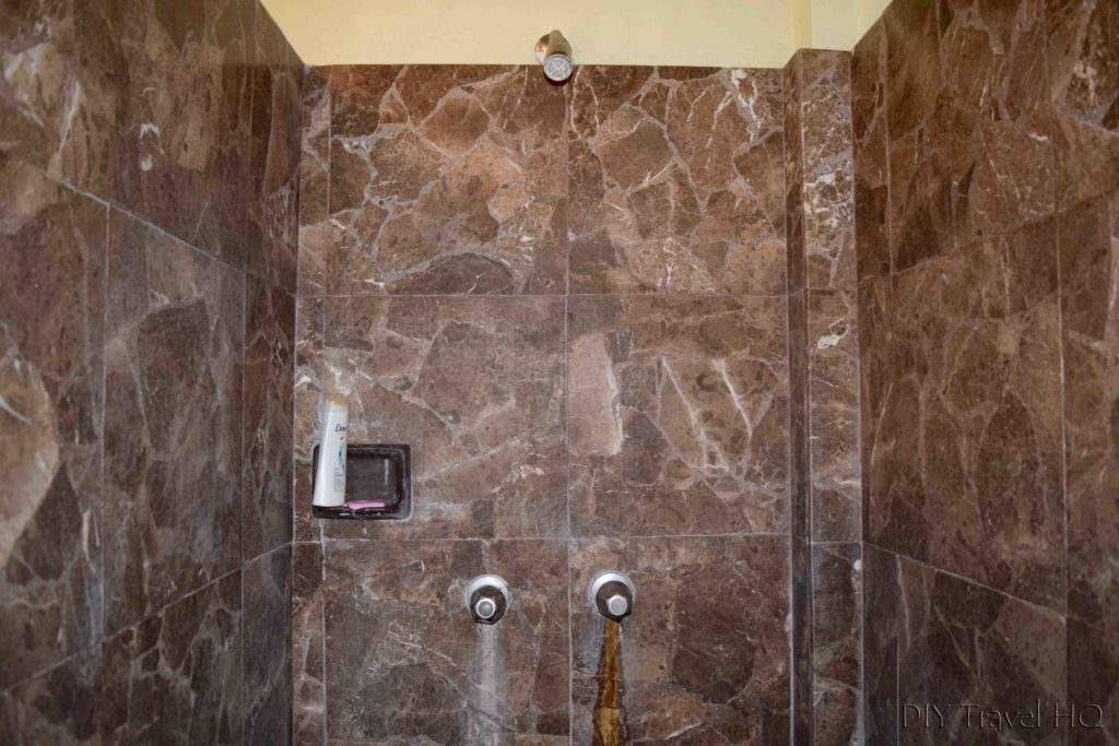 Shower at Casa Frolaz