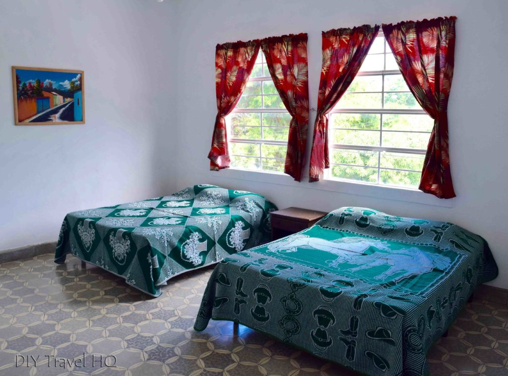 Hostal Cumbres del Volcan Flor Blanca Private Room for Four