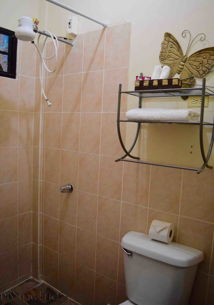 Bathroom at Los Portones de Ataco
