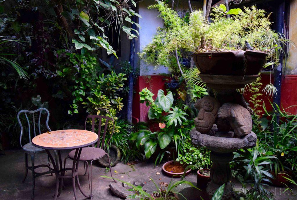 Posada Belen Museo Inn Garden Maya Artifacts