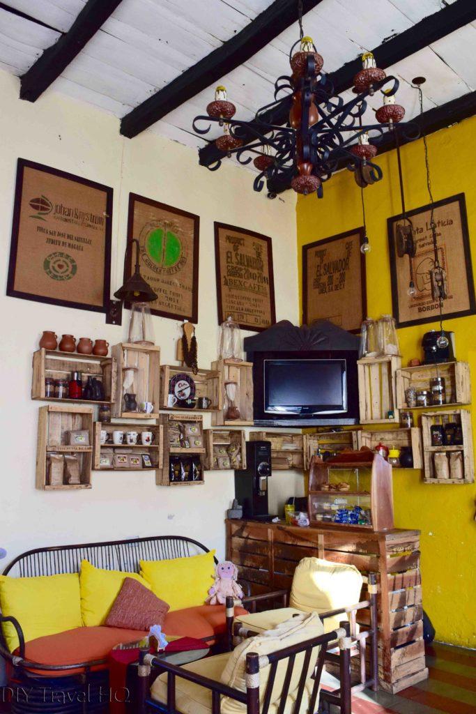 Suchitoto, El Salvador cafe
