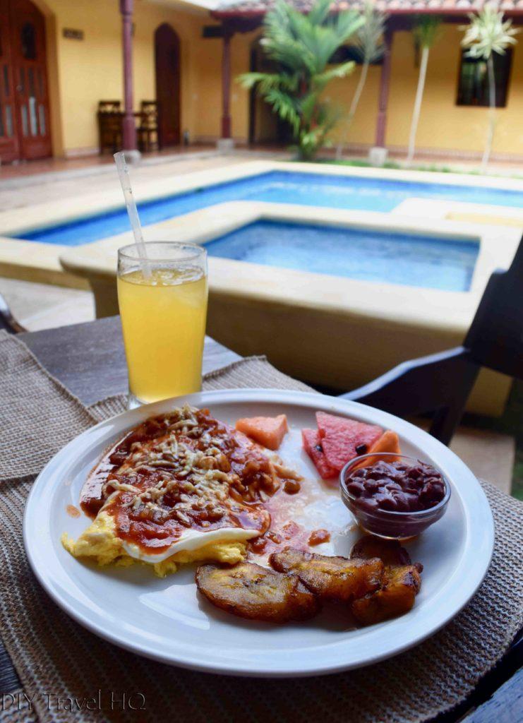 Free breakfast at Hotel La Pergola