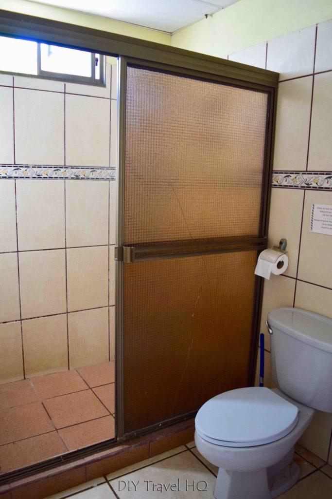 Casa Ariki Shared Bathroom
