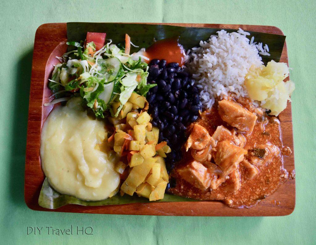 Vida Campesina Buffet Lunch on Banana Leaf