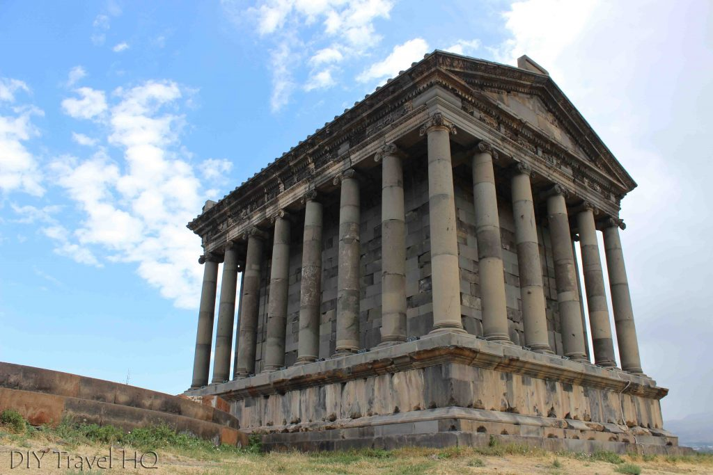 How to get to Garni
