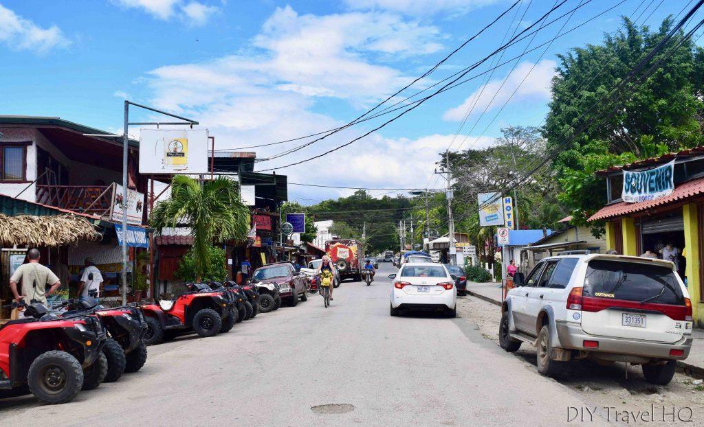Playa Samara main street