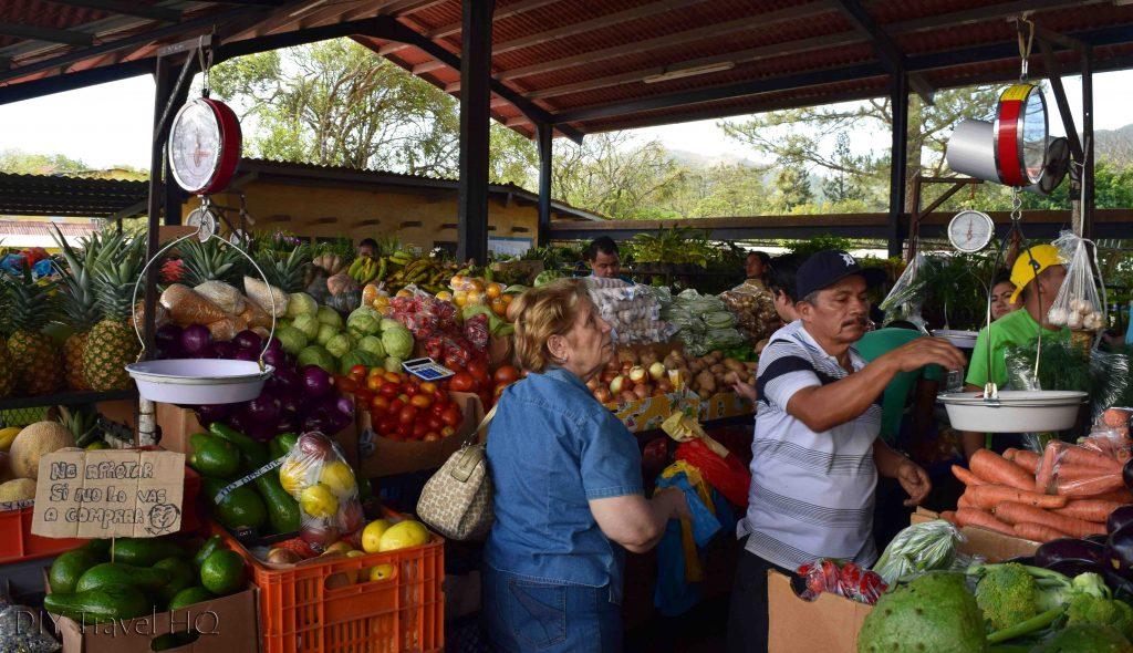 El Valle de Anton Panama Sunday Market