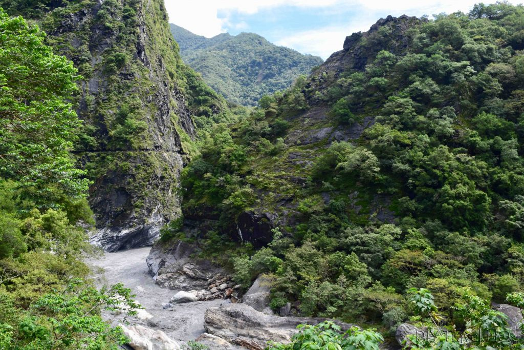 how to travel from taipei to taroko gorge