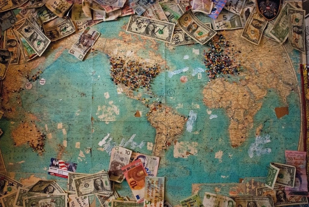 Choosing a Travel Blogging Niche and Making Money
