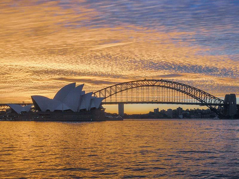 Australian-Road-Trip-Sydney-Opera-House-and-Sydney-Harbour-Bridge-Sunset