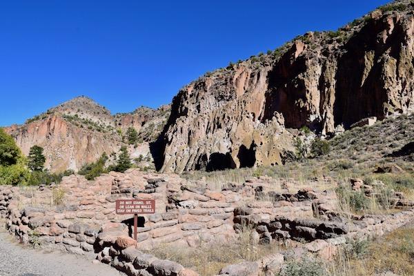 Tyuonyi Pueblo ruins at Bandelier